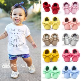 Wholesale Leather Soft Soled Baby Shoes - Hot sale New 16 colors fringe Bow PU leather Baby Moccasins shoes Boys Girls Toddler Soft Sole Infant Kids Shoes 0-2 years
