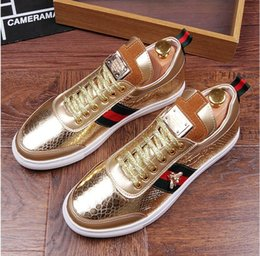 Wholesale Wedding Smoking - 2017 Men Glitter Shoes New Fashion Casual Flats Men's Designer Dress Shoes Sequined Loafers Men's Platform Driving Smoking Slippers AXX456