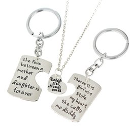Wholesale Keychain Necklaces - Wholesale-Daughter Mother Pendant Necklace 3pc set Dad Keychain Family Mother's Day & Father's Day Keyring Jewelry Father Mom Necklaces