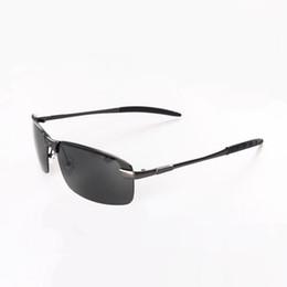Occhiali da sole senza cornice rettangolare online-Occhiali da sole senza montatura polarizzati di sport di Rimless per gli uomini / le donne Polaroid di rettangolo Polarizzato Progettano a buon mercato occhiali di vetro