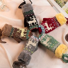 Wholesale Hanging Floral Wholesale - 2017 Christmas Deer Pattern Gloves 5 Colors Plus Velvet Thicken Mittens Hanging Neck Wool Knit Warm Gloves Wholesale Price