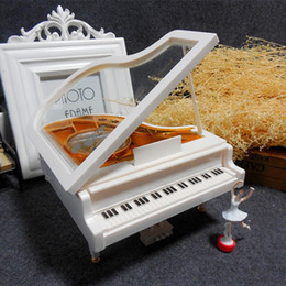 Compleanno di balletto online-Music Box per pianoforte White Gold Classic Con Dancing Girl Song Meccanica Dance Ballet Creative Ruota Pianoforti Regalo di compleanno 16 5xb F