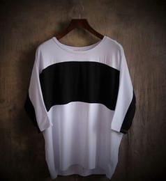 Más el palo del tamaño t shirts online-Nueva llegada Plus size Lovers 'Clothes Women hombres suelto negro blanco patchwork bat manga camisetas Unisex' Tops moda S-3XL