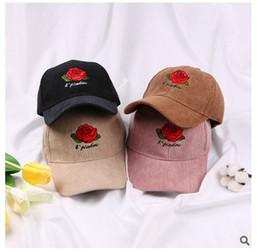 rosen korridor Rabatt Freies verschiffen Hohe qualität Gestickte rosen kappe baseballmütze Cord kappe Frühling Herbst Winter mützen