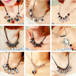 Wholesale Korea Wedding Clothing - girl jewelry South Korea fashion temperament all-match short necklace Necklace female clothing accessories crystal pendant banquet nightclub