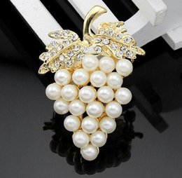 Wholesale Scarves Wedding Dresses - Lady Special Grape Pin Stylish Pearls Brooch Wedding Gown Decoration Dress Shirt Coat Bag Scarf Accessory Jewelry Gift