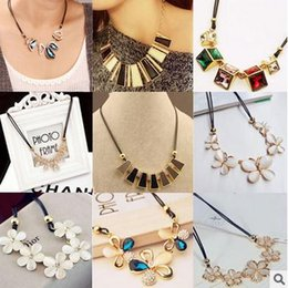 Wholesale Wholesale Prices For Rhinestone - Mix Designs Fashion Luxury Necklace For Women Crystal Stone Chokers Natural Chunky Chains Statement Special Price