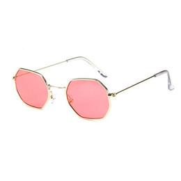 Óculos de sol de festa de design on-line-Chegada nova Moda polígono De Metal Sunglasse para as mulheres Do Partido do Curso de Verão Praia vestido Popular Óculos de Sol Da Marca de Design de Óculos