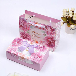 Wholesale Paper Bags Romantic Gift - Romantic Pink European Style Wedding Candy Box Floral Paper Sweet Chocolate Favor Bag Package Party Gift ZA4946