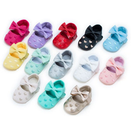 Wholesale Newborn Bottoms - Newborn heart Princess Baby shoes Bow First Walkers Soft Bottom Baby Moccasins Pu leather Babies Prewalkers shoes