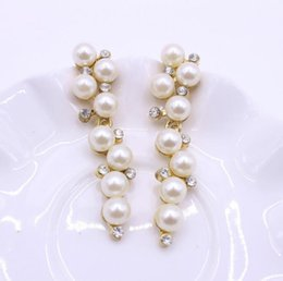 Wholesale Grape Chandeliers - New Sale Crystal Rhinestone simulated pearl Grape bunches Design Girls Earrings Ear stud Fashion Jewelry Women's gift