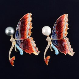 Wholesale Cheap Animal Brooches Pins - jewelry cheap butterfly brooches pins fashion brooches gold brooch for wedding gifts for guest mermaid brooch with pearl rhinestone