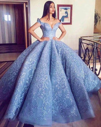 Wholesale Evening Formal Party Ball - 2018 New Gorgerous Off the Shoulder Blue Ball Gown Prom Dresses Lace Appliques Zipper Back Formal Dresses Evening Wear Party Gowns