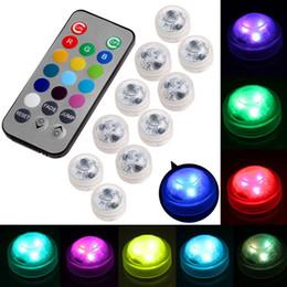 Batería led redonda online-Umlight1688 CR2032 Funciona con batería 3CM Redondo Super Brillante Blanco / Frío Blanco / RGB Multicolores LED Luz LED sumergible floral con control remoto
