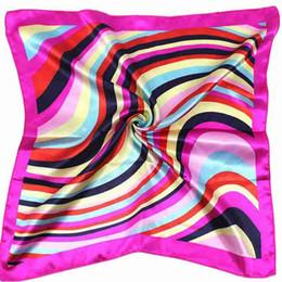 2019 sciarpe di seta arcobaleno All'ingrosso-Fashion Hot Satin Silk Sciarpa quadrata Donna Rainbow Stripe per Lady Cuello Bufandas Seda Sciarpe #ED sciarpe di seta arcobaleno economici