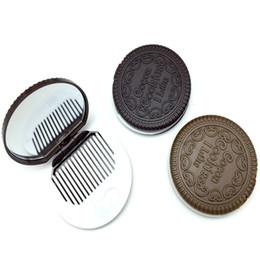 Argentina Galleta de sandwich de chocolate, espejo de maquillaje, espejo cosmético de chocolate, peine plegable de plástico Suministro
