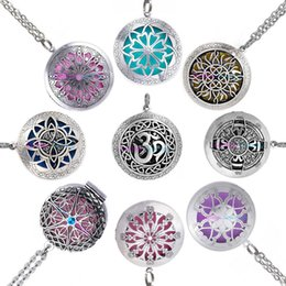 Wholesale Filigree Lockets - Wholesale 10pcs 32mm Round Essential Oil Diffuser Filigree Locket Necklace with Colorful Diffuser Pads For Aromatherapy Necklace