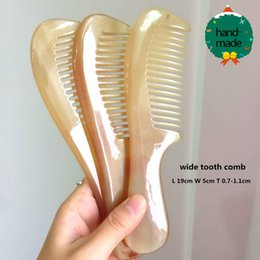 Wholesale Natural Horn Hair Comb - Wholesale-Handle Combs,Natural Sheep horn comb\Ox Horn Brushes With Handle horn Comb Health Care Comb (19CM Length)large size hand-made