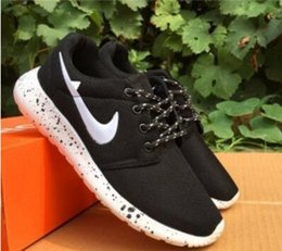 Wholesale Black White Fabric Yard - New 2017 spring and summer men's &women casual shoes breathable mesh shoes, running shoes Korean teen fashion sneakers size36-44 yards