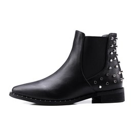 Wholesale ladies rubber boots designs - Autumn and winter Woman Chelsea boots Rivet design ankle height martin boots for ladies Fashion boots