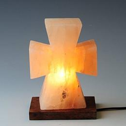 lâmpadas de sal do himalaia Desconto Madeira Cruz Forma Himalayan Salt Lamp casa e jardim home da decoração itens de novidade luz led interior
