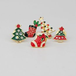 2019 винтажные рождественские булавки Wholesale-  Santa Claus Christmas Tree Snowflake Pendant Women Gift wholesale Drop shipping Suit Brooch Pin Vintage Brooches Jewelry скидка винтажные рождественские булавки