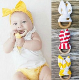 Wholesale sensory baby toys - Infant baby Teething Ring teeth Fabric and Wooden Teething training Crinkle Material Inside Sensory Toy Natural teether bell