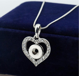 Wholesale Cheap Buttons Wholesale - 12MM Snap Button NECKLACE PENDANT White Gold Plated Heart Shaped with Crystal Interchangeable Noosa Ginger Jewelry Cheap Price 20pcs