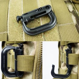 Wholesale Hook Plastic Buckle - Outdoor Garget Camouflage Military Tactical D Shape Buckle Plastic Carabiner Fast Hang Hook Keychain Clip Climbing Carabiner Keychain