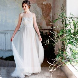 Wholesale simple flowing wedding dresses - Elegant Bohemian Wedding Dresses 2017 Scoop Illusion Neck Lace Appliqued A Line Bride Gowns Flowing Tulle Rustic Forest Wedding Dresses