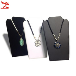 Wholesale Wooden Easels - Retail Jewelry Display Rack Large Folding Necklace Pendant Holder 3 Color Available Cardboard Easel Necklace Stand 20*32cm