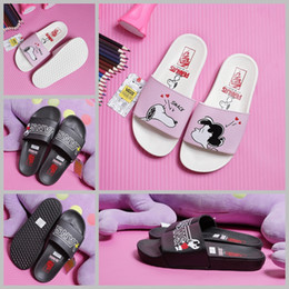 Wholesale Cartoon Slippers Women - 2017 vans x peanuts slides Slipper Slip On For Women Girls men Beach sandals designer slippers cartoon Snoopy Pink Black Casual Shoes 35-44