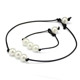 Brand New Damenmode Hand Made Hochglanz Süßwasser Perlen Leder Seil Kette Einfache und elegante Armband Halskette von Fabrikanten