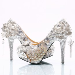 Canada Gros argent gland fleur Cendrillon chaussures fait à la main bal de soirée haute talons perles strass demoiselle d'honneur de mariage chaussures de mariage 165 Offre