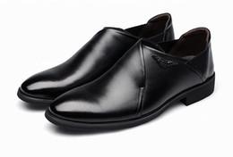 Wholesale Yellow Dress Shoes Men - Fashion Men pointed toe Dress Shoes Luxury Men's Business Casual Leather Shoes Classic Gentleman Shoes oxfords 37-44