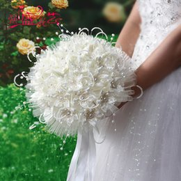 Wholesale Bouquet Pearls - African Wedding Bouquets White Beige Romantic Flowers Satin with Pearls Luxury Bridal Bouquet In Stock Hand Holding Flowers