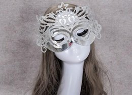 Wholesale Men S Halloween Masks - a14 Halloween Mask Women 's Nose Dress Party Adult Party Birthday Party Golden Mask Crown Mask