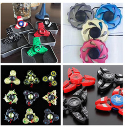 Deutschland Neueste Runde Schwungrad Metall Zappeln Spinner Hand Spinner Tri Zappeln Handspinner Neuheit EDC Spielzeug für Dekompression Angst Finger Spielzeug Versorgung