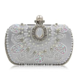 Wholesale Wedding Pillow Embroidery - 2017 European Style Beaded Embroidery handbag with rhinestone crystals Bride Evening Bag Wedding Clutch Bags purse QH1710A