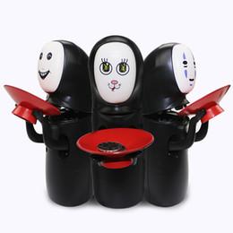 bancos piggy engraçados Desconto New Miyazaki Hayao mealheiro Spirited Away No Face Dinheiro Latas de Música Elétrica Automática Coleção de Moedas Engraçado Brinquedos para Crianças C2634