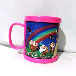 Argentina Venta al por mayor - nuevo plástico tazas de café taza de cerveza con inserto de papel de impresión de dibujos animados princesa agua rosa vaso con asa regalos tazas supplier rose mugs wholesale Suministro