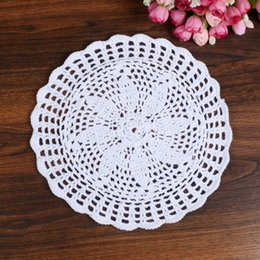 2019 tapetes de algodón de encaje blanco Al por mayor- LINKWELL 9 pulgadas ronda blanca Craft Lace Doilies Cake Placemat Party regalo de boda decoración del tapete de algodón 100% adorno decorativo tapetes de algodón de encaje blanco baratos