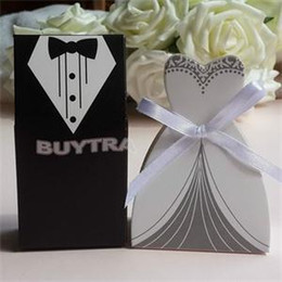 Wholesale Wedding Sugars Favors - 100Pcs Bridal Gift Cases Groom Tuxedo Dress Gown Ribbon Wedding Favors Candy Box Sugar Case Wedding Decoration mariage casamento