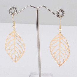 Europa y América Comercio de Moda Exquisita Simple Hollow Forest Silver Metal Leaves Pendientes Hot Selling Metal Leaves Earring desde fabricantes