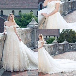 Discount backless wedding dress veils - 2017 Lace Ball Gown Wedding Dresses Off-the-shoulder Arabic Plus Size Wedding Dresses Lace Appliques Backless Lace Up With Free Veil