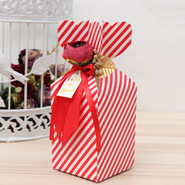 Peonias de flores rojas online-Newest Vase Mermaid Wedding Candy Boxes With Peony Flowers Christmas Party Wedding Favor Boxes Paper Boxes Gifts Red Pink Purple Blue Strips