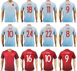 Futebol 2018 Turquia Jersey Equipe Nacional Personalizar 10 Arda Turan Kits  de Camisa De Futebol 9 Cenk Tosun 8 Selcuk Inan Hakan Sukur 18 ERKIN 6ccd1eb2b367e