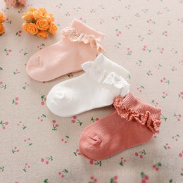 Kinder socken großhandel online-Großhandel Kinder Socken baumwolle Mädchen Söckchen süße spitze Baby Mädchen Baumwollsocke Häkeln Babyschuhe Beste Socken Neugeborene Socke A1059