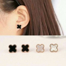 Wholesale Earrings Fashion New Arrival - New arrival 316L Titanium steel Stud with Black agate and White Shell in 1.4CM Fashion brand Earrings jewelery for women and man wedding gif
