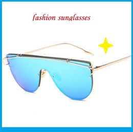 Wholesale Blue Contacts Lenses - Fashion Contact Lens Sun Glasses A Variety Of Polarizing Big European And American Street Shooting Glasses Trendsetter Gls206